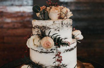 wedding cake at adelaide hills wedding